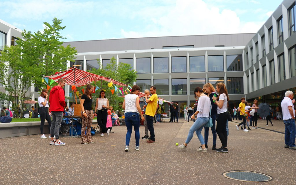 Single-Party in Uster (25 bis 45 Jahre) - Smeetz